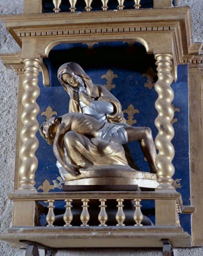 Groupe sculpté (statuette) : Vierge de Pitié