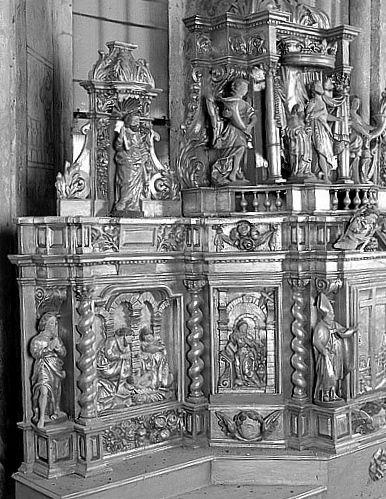 2 gradins d'autel, tabernacle, exposition (maître-autel)