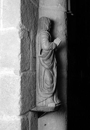 Statue (petite nature) : Vierge dite Notre-Dame du Bon Secours