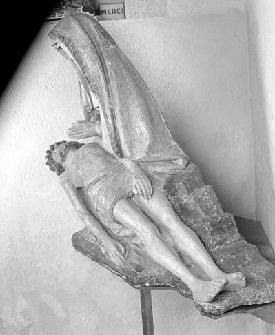 Groupe sculpté (petite nature) : Vierge de Pitié dite Notre-Dame des Aides