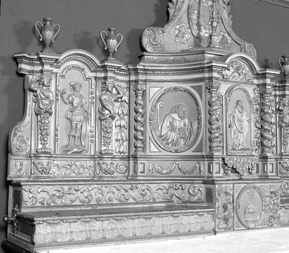 2 gradins d'autel, 2 tabernacles, exposition du maître-autel