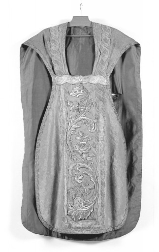 chasuble, étole (ornement doré)