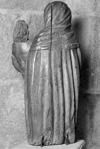 Statue : Vierge à l'Enfant balafrée