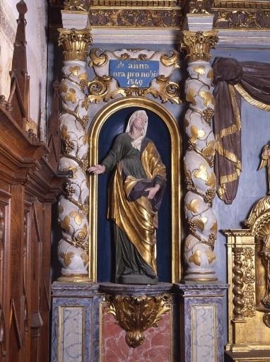 2 statues : sainte Anne, sainte Barbe