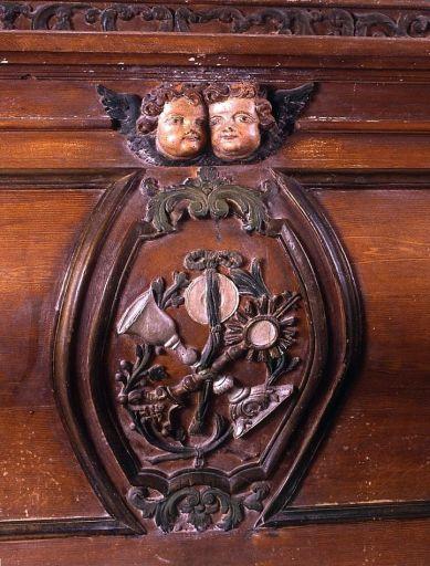 Autel, gradin d'autel, tabernacle, exposition (autel de la chapelle sud)