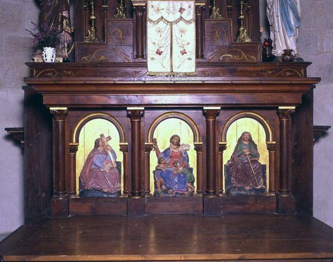 3 bas-reliefs montés en devant du maître-autel : les vertus théologales