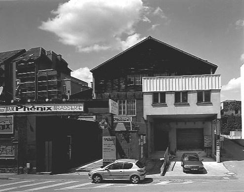 Scierie et usine de meubles Laroudie et Rougerie Frères, puis de la Société Industrielle du Meuble en Bois Massif, puis entrepôt commercial Mondeux, puis usine de porcelaine Fontanille et Marraud, actuellement théâtre