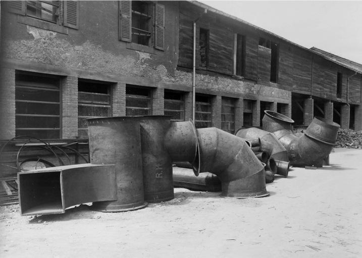 Four industriel : four-tunnel