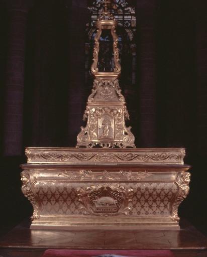 Ensemble du maître-autel double face (autel, gradin d'autel, tabernacle, exposition)