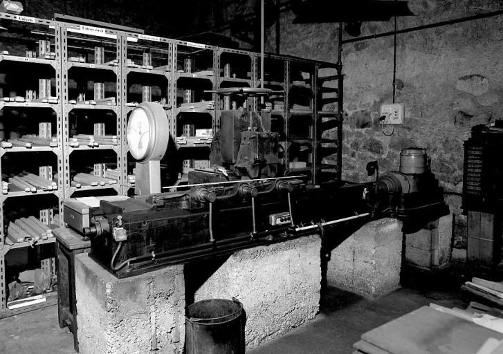 Machine à raboter : rabot à filets (ligne de fabrication de filets d'imprimerie)