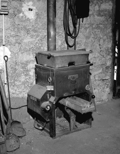 machine à fondre : four à refondre