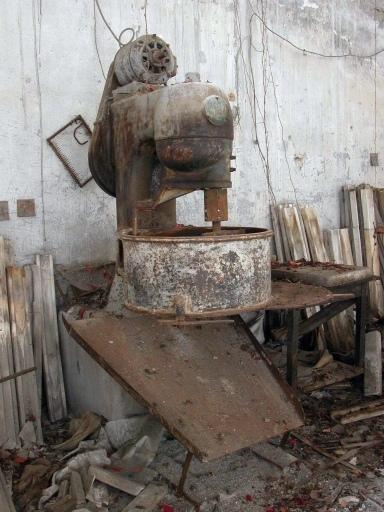 Machine à dissoudre : machine pour la préparation du plâtre