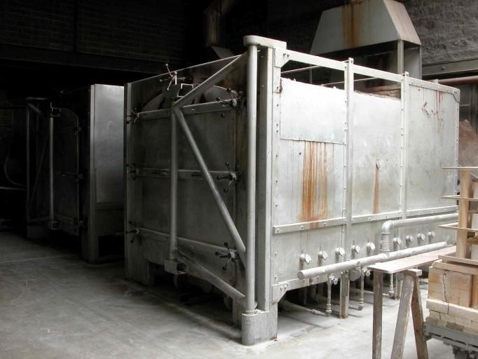 2 machines à convertir : fours-cellules à dégourdi