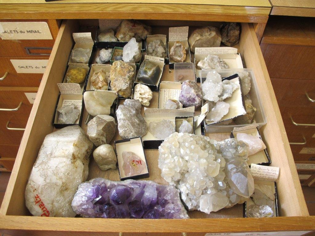ensemble de la collection de minéralogie