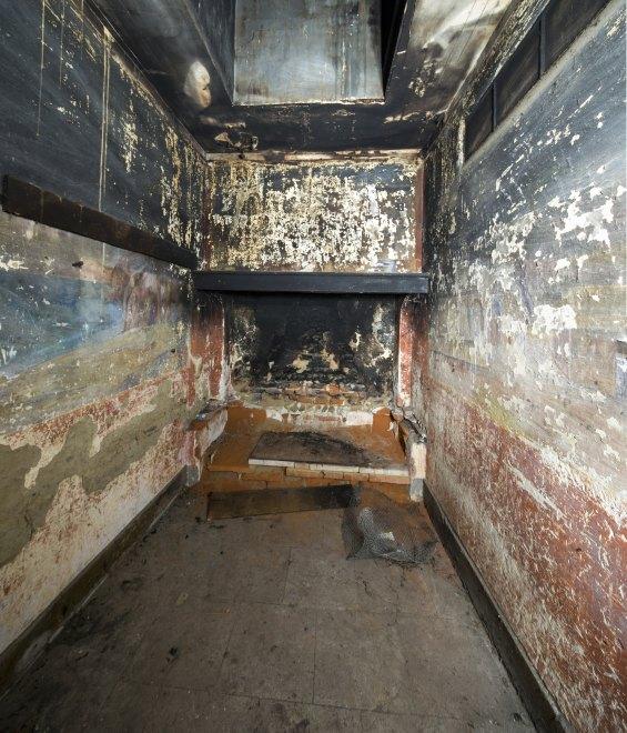 Peintures et graffitis de la pièce n°1