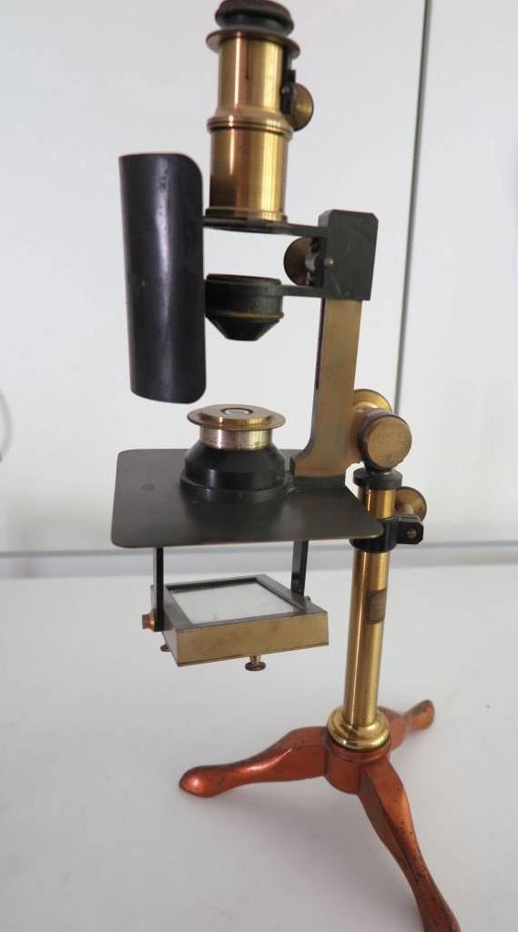 microscope polarisant de Nodot