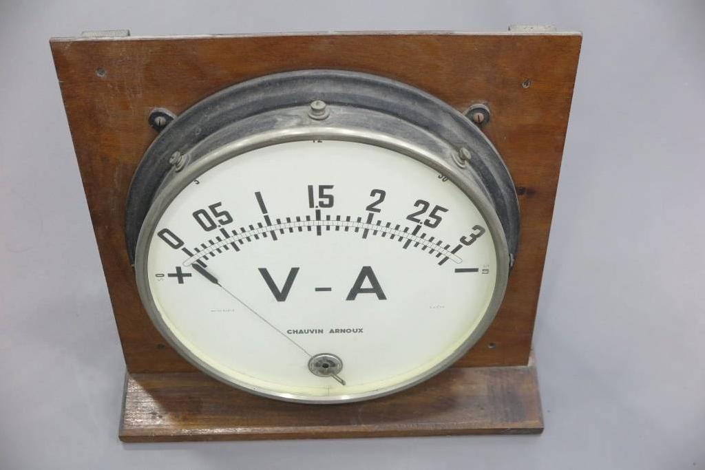 Voltmètre-ampèremètre de démonstration