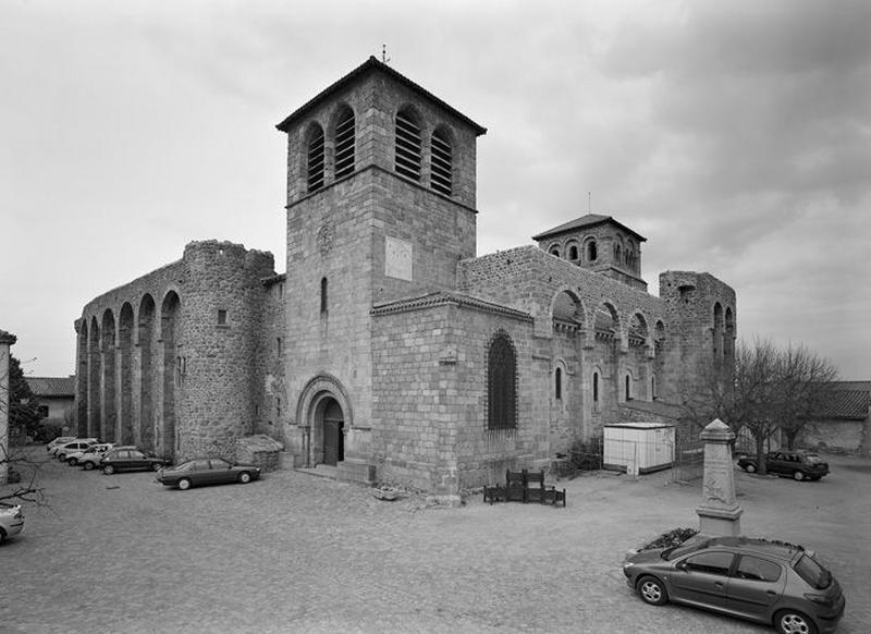 Église prieurale et paroissiale Saint-Sébastien et Saint-Domnin