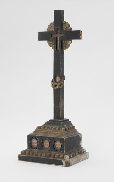 Croix-reliquaire de la Vraie Croix (n°2)
