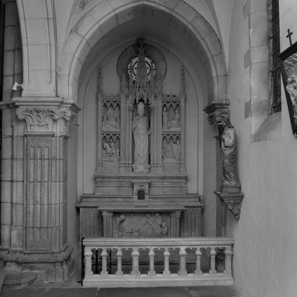 Autel de saint Martin (autel latéral sud) : autel, gradin d'autel, tabernacle, retable et clôture d'autel