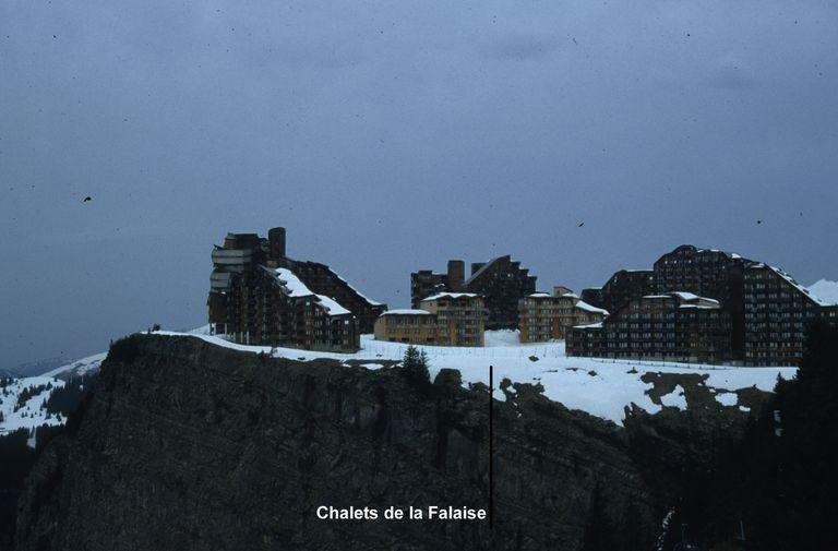 Immeubles dits résidence Les chalets de la Falaise