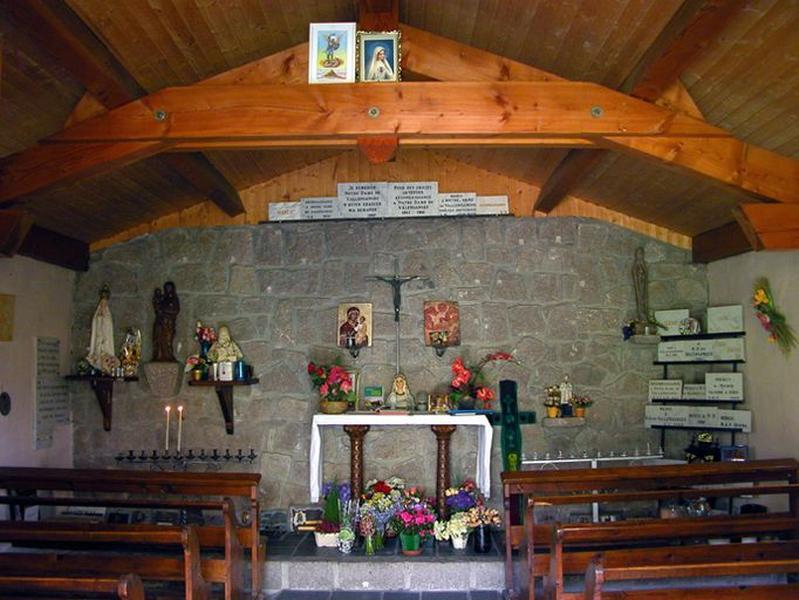 Le mobilier de la chapelle Notre-Dame de Valensanges