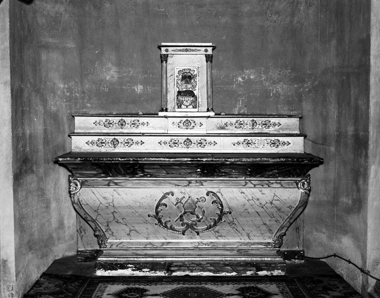 Autel, tabernacle, 2 gradins d'autel (autel secondaire de saint Nicolas)