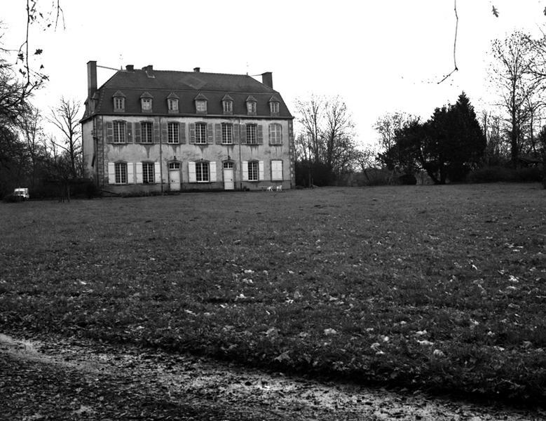 Château dit château des Bravards
