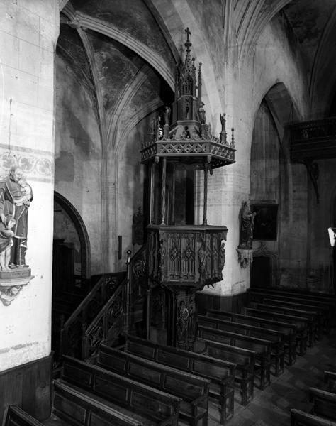 Chaire à prêcher de milieu, style néo-gothique
