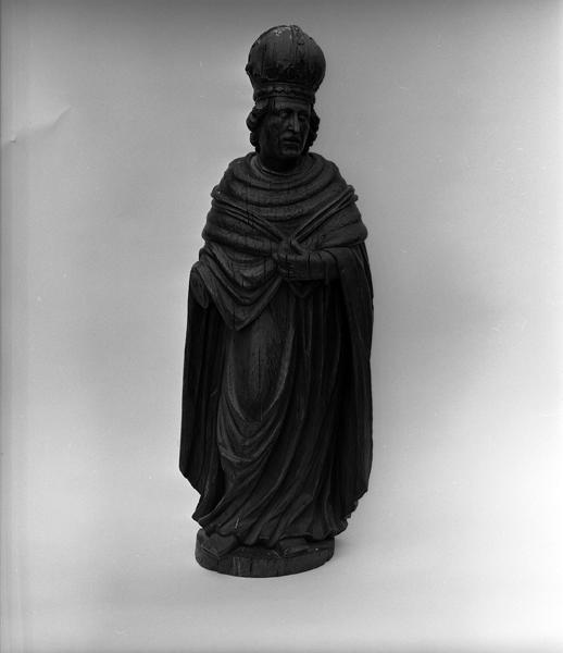 Statue (demi-nature) : saint Louis