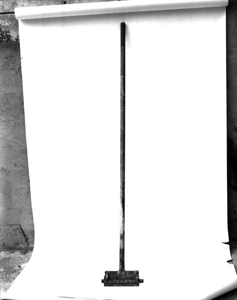 ensemble de 2 racloirs de cuve de tanneur