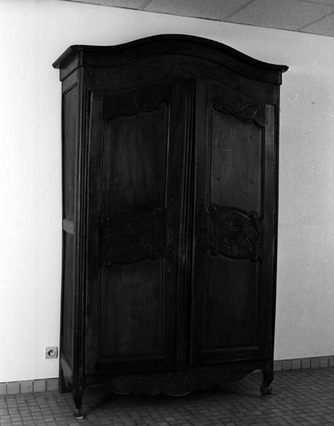 armoire 2 de style Louis XV