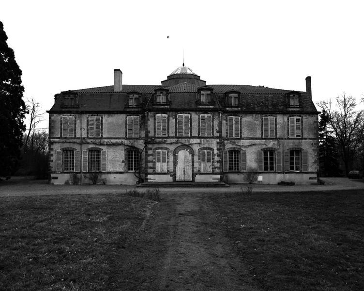château dit château de Beissat