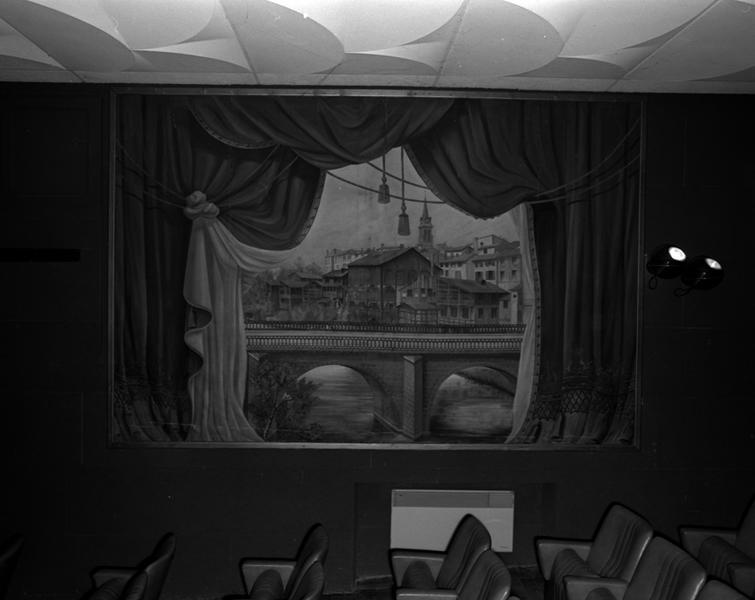 rideau de scène : vue de Maringues depuis le pont de Morge