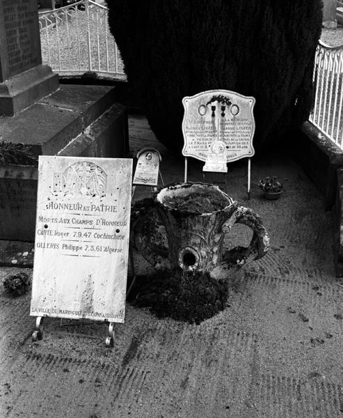 ensemble du monument aux morts