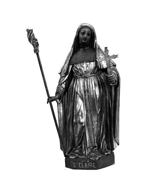 Statue (petite nature) : sainte Claire d'Assise