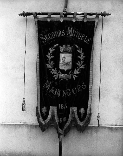 Bannière de la société de secours mutuel de Maringues