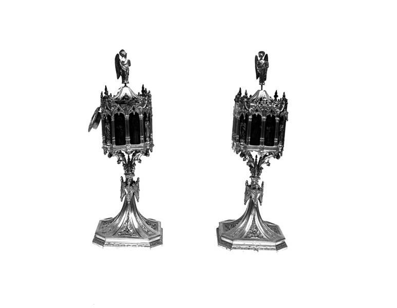 2 reliquaires, style néo-gothique