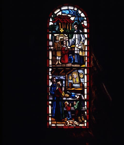 Ensemble de 4 verrières (verrière historiée) : les missions, fondation de la paroisse, fondation de la commune, charité