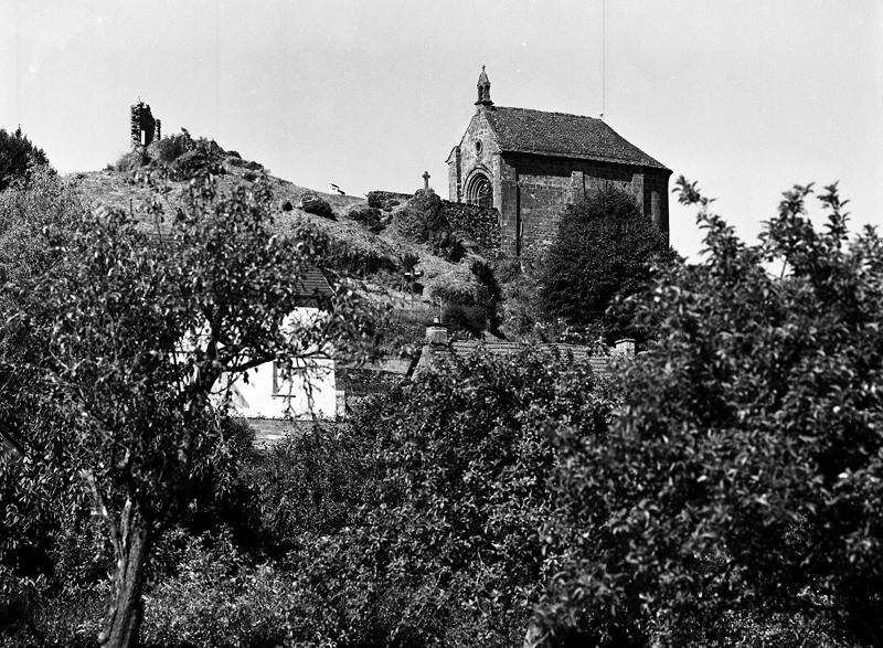 Château fort ; Chapelle Sainte-Croix Notre-Dame-de-la-Nativité, dite Notre-Dame du Château