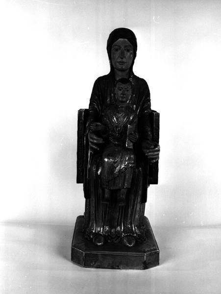 Statue de procession : Vierge en majesté dite Notre-Dame d'Orcival