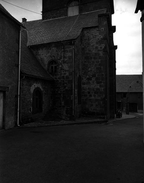 Château fort ; église paroissiale Sainte-Marie-Madeleine, collégiale