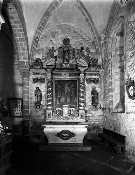 Maître-autel, retable architecturé à niche, tabernacle à dais d'exposition