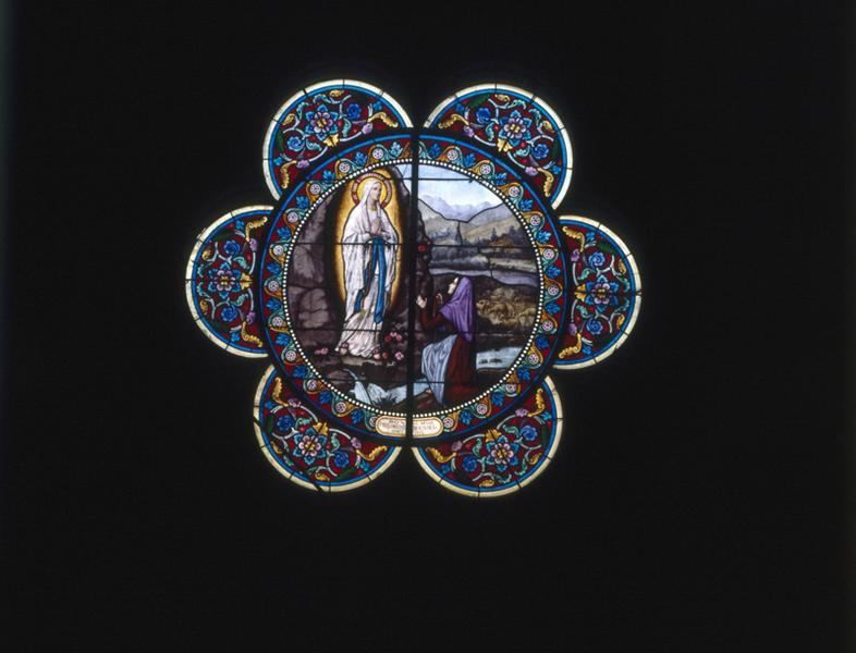 Rose : Apparition de la Vierge à Bernadette Soubirous (baie 101)