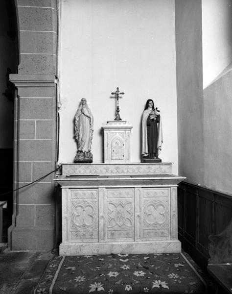 ensemble du maître-autel, tabernacle, exposition et de deux autels secondaires et leur tabernacle