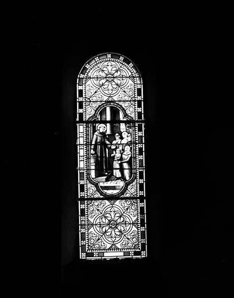 Ensemble de 4 verrières : Vierge de Pitié (baie 5), Saint Nicolas de Tolentino (?) (baie 6), verrière décorative (baie 7), Notre-Dame d'Orcival (baie 8)
