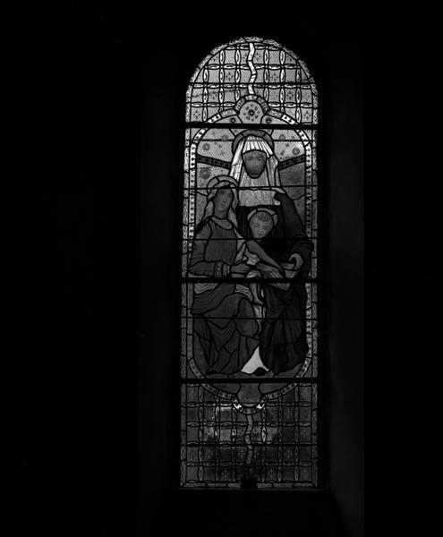 Verrière de la baie 11 : sainte Anne, la Vierge à l'Enfant