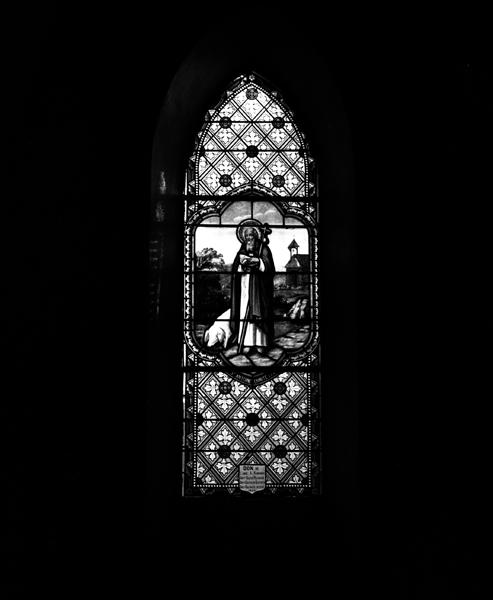 ensemble de 9 verrières : éducation de la Vierge (baie 3), Notre-Dame du Rosaire (baie 4), Sacré Coeur apparaissant à sainte Marguerite-Marie Alacocque (baie 5), Notre Dame de Lourdes (baie 6), atelier de Nazareth (l') (baie 7), saint Michel terrassant le démon (baie 8), sainte Elisabeth (baie 9), saint Antoine ermite (baie 10), saint Jean-Baptiste (baie 13)