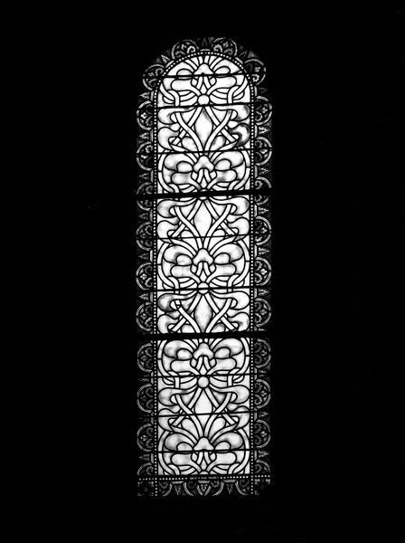 ensemble de trois verrières de l'absidiole nord, chapelle Saint-Joseph : Vie de saint Joseph, verrières ornementales (baies 5,7,9)