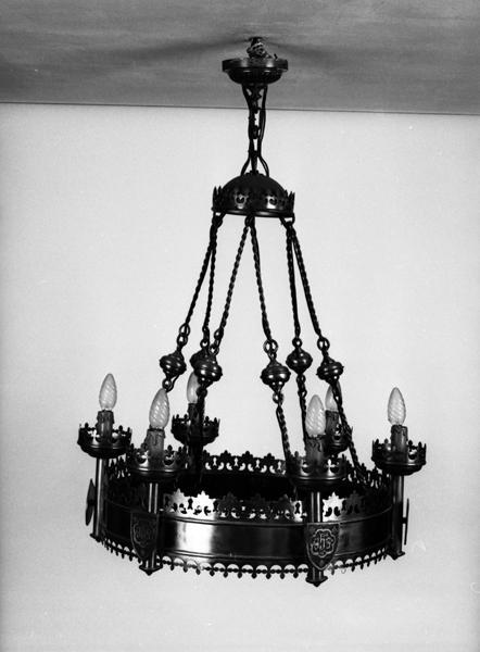 lustre d'église : couronne de lumière